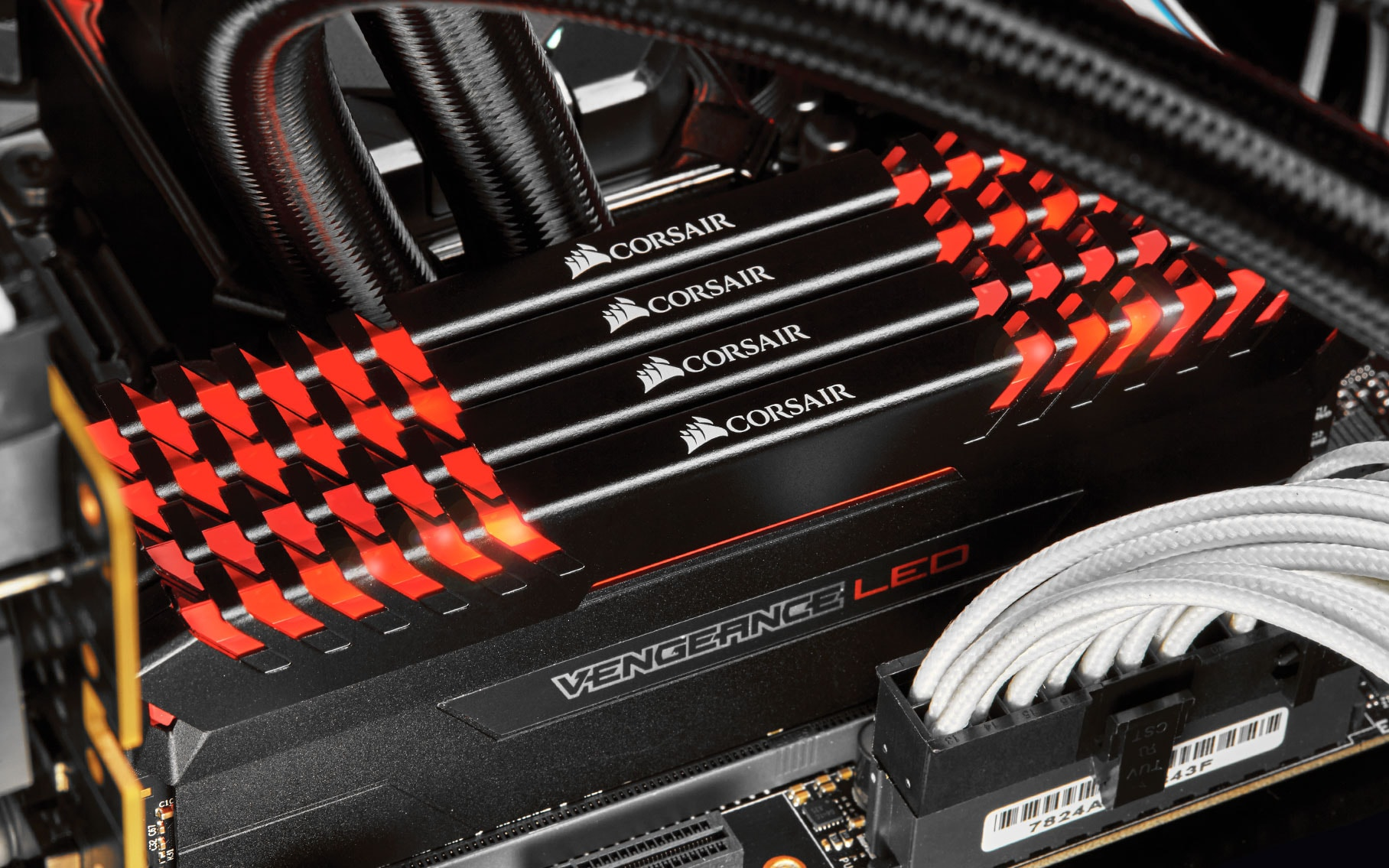 VENGEANCE LED DDR4. LIGHT IT UP.