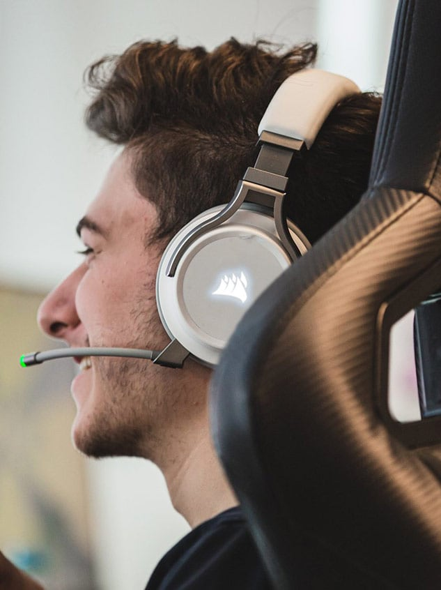 Team Envy's Kenworth unboxes and reviews CORSAIR's newest headset