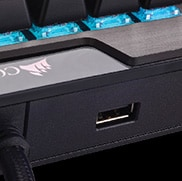 CORSAIR K70 RGB MK.2 - USB Pass-Through Port